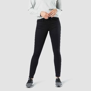 DENIZEN from Levi's Curvy Skinny Black Jeans